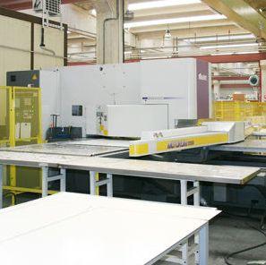 IGV_Domuslift_Homelift_Abteilung_Blechverarbeitung