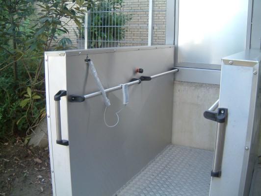 Rollstuhlhebebühne_Behindertenlift_Kärnten_Tür 2